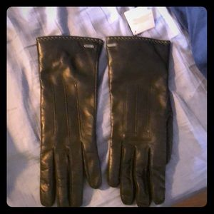 BRAND NEW COACH LEATHER GLOVES